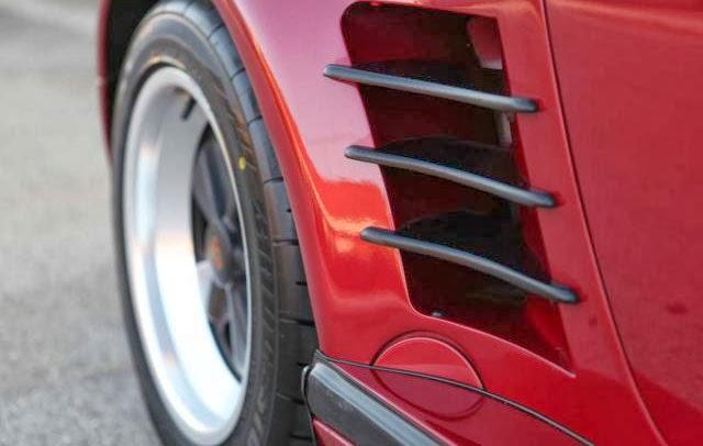 1989-Porsche-911-M491-air-vent.jpg