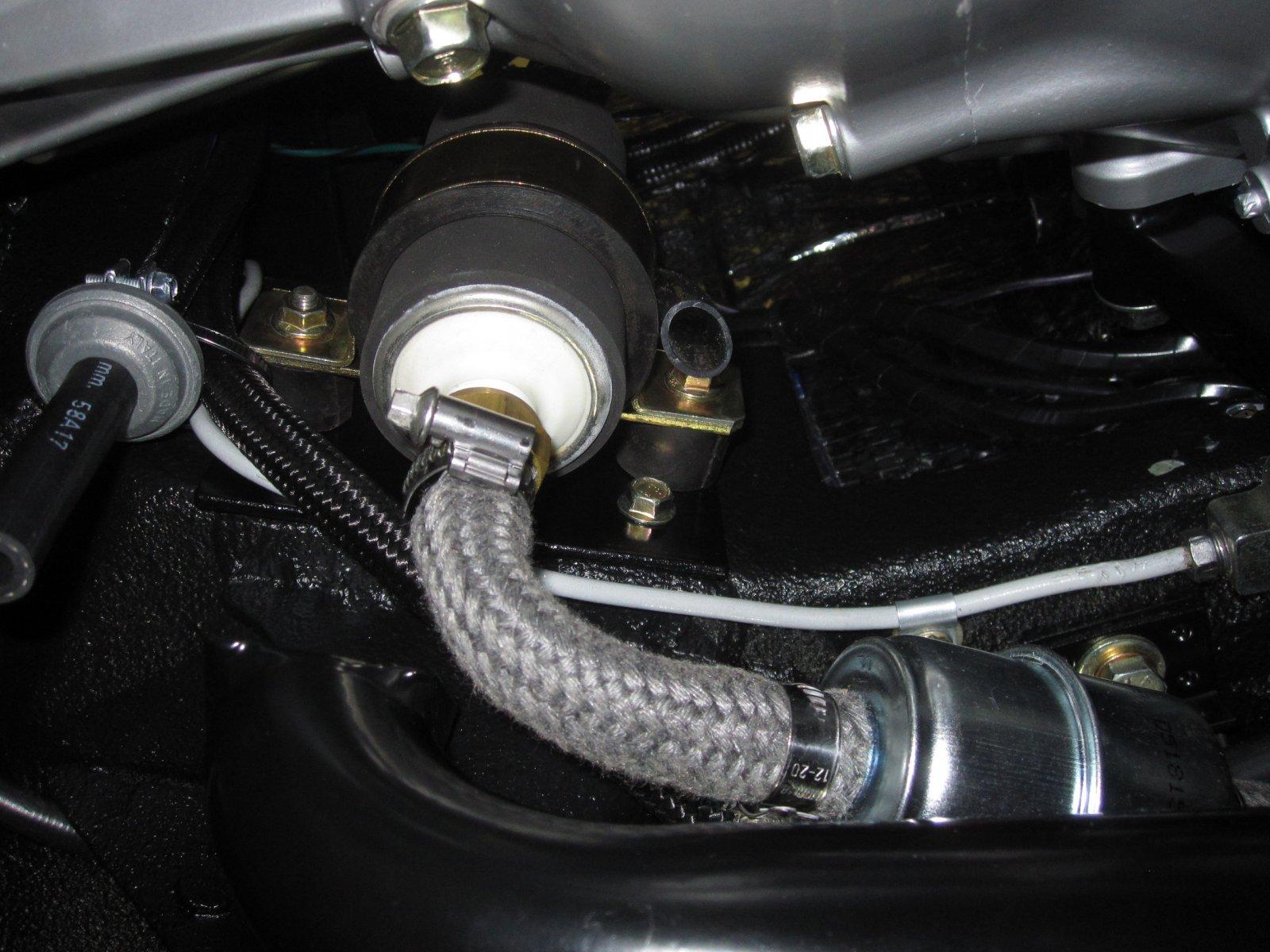 Fuel system 04.JPG
