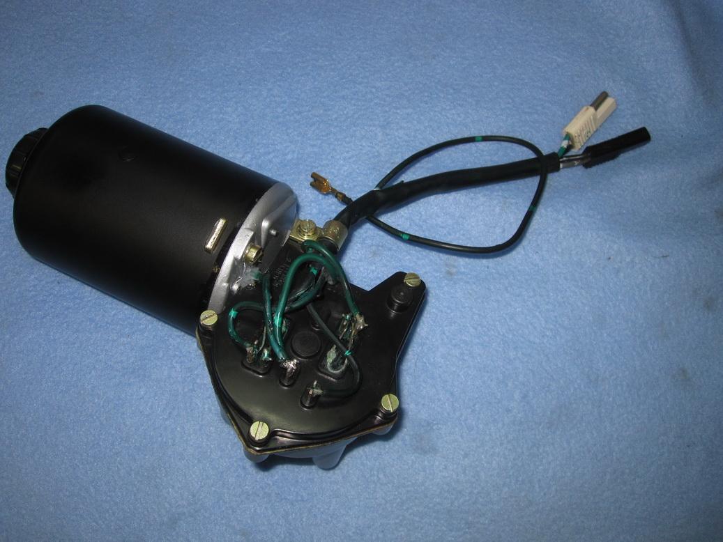 Headlight motor refurb 02_resize.JPG