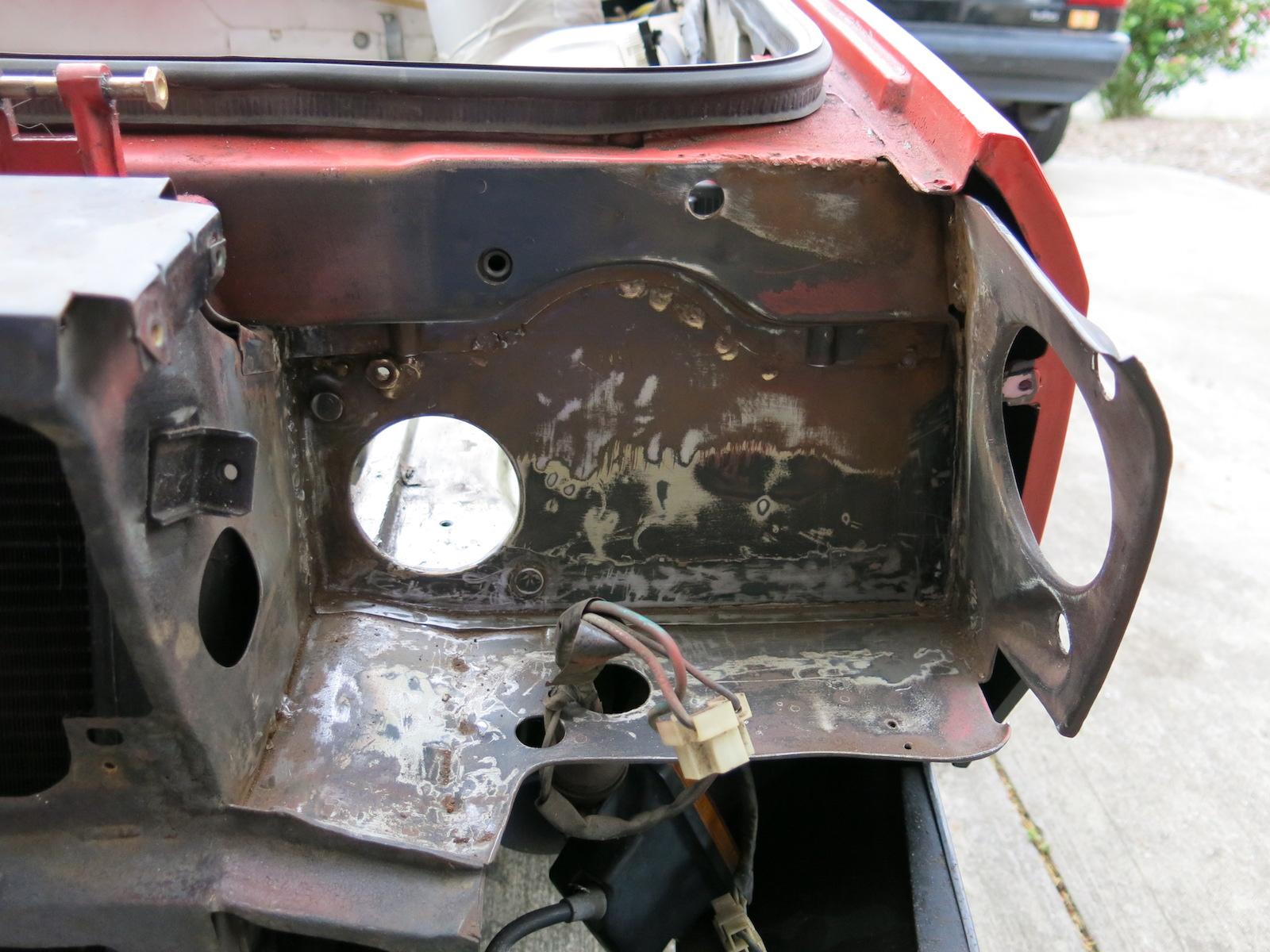 Lancia# 209, RH headlight area paint strip.JPG