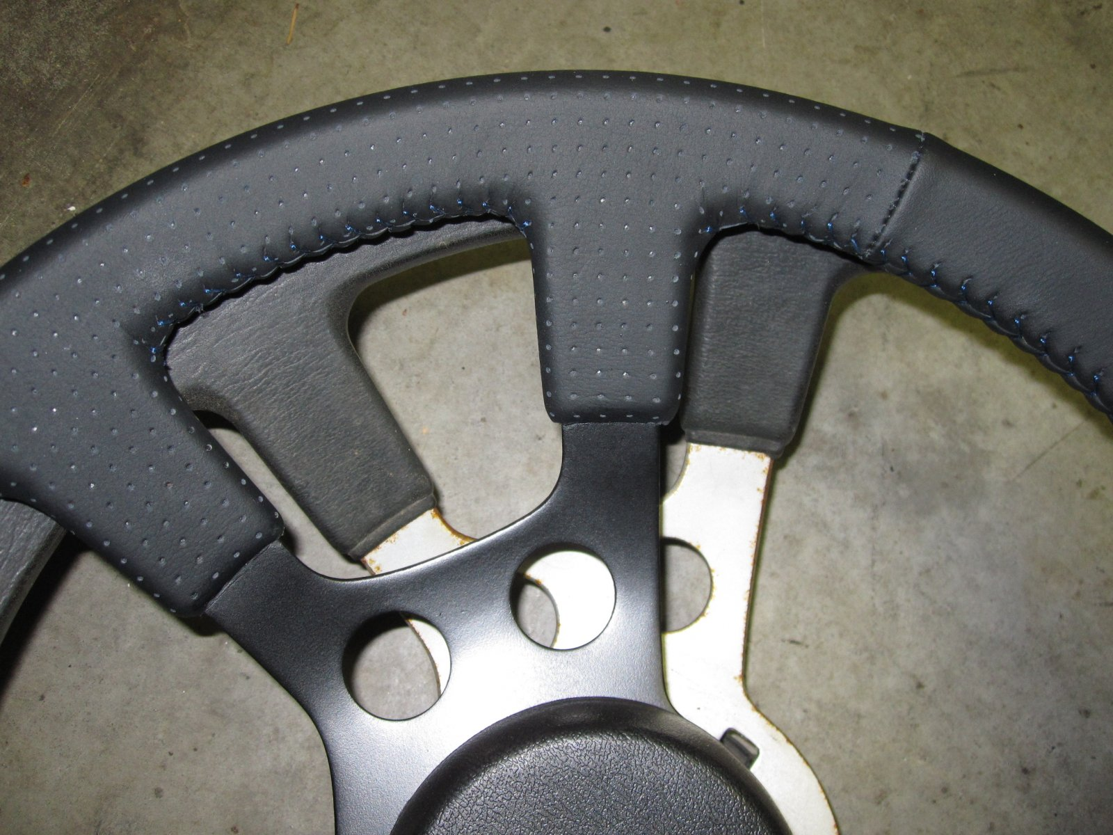 Steering wheel 6.JPG