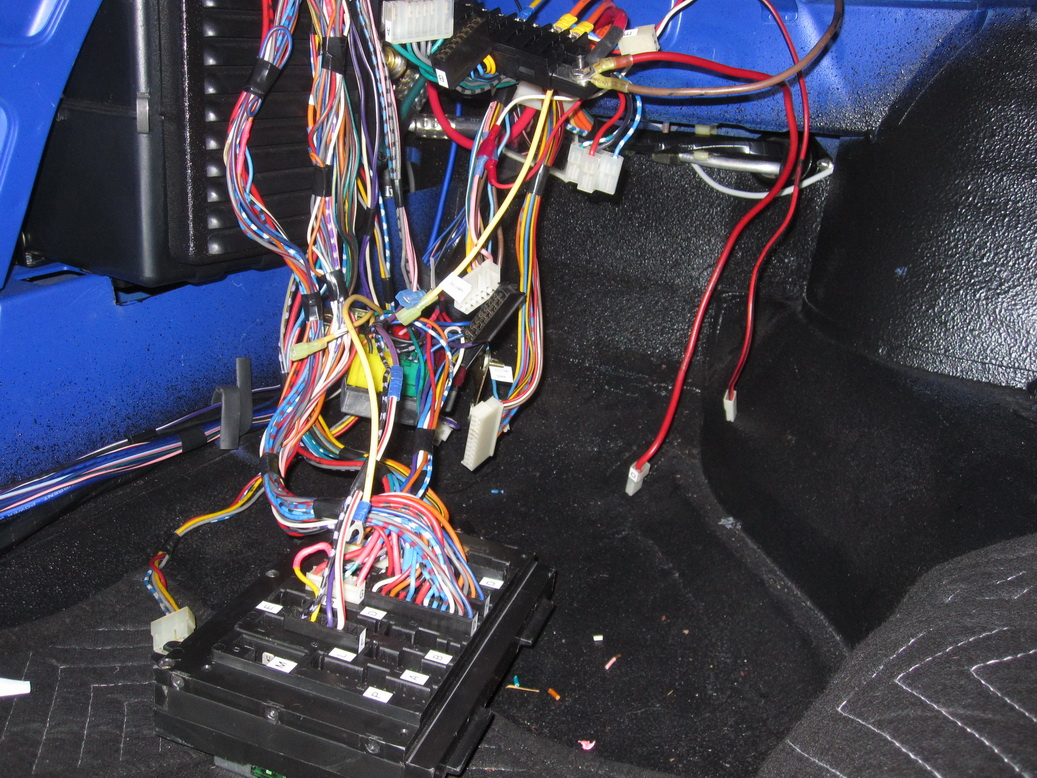 Wiring harness complete 01_resize.JPG